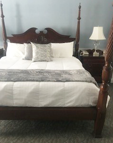 Jarves Suite Four Poster Bed